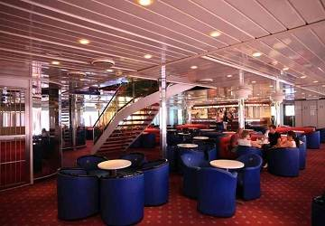 adria_ferries_claudia_cafe
